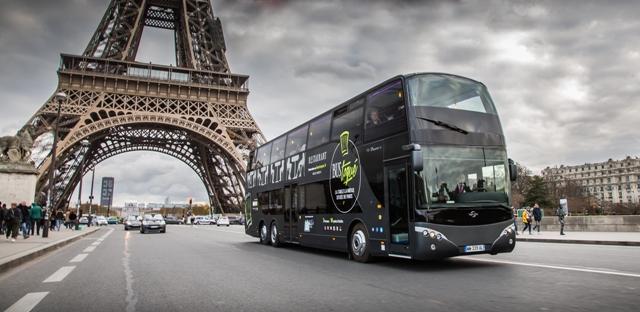 bus-toqu-extrieur-tour-eiffel-pr-une