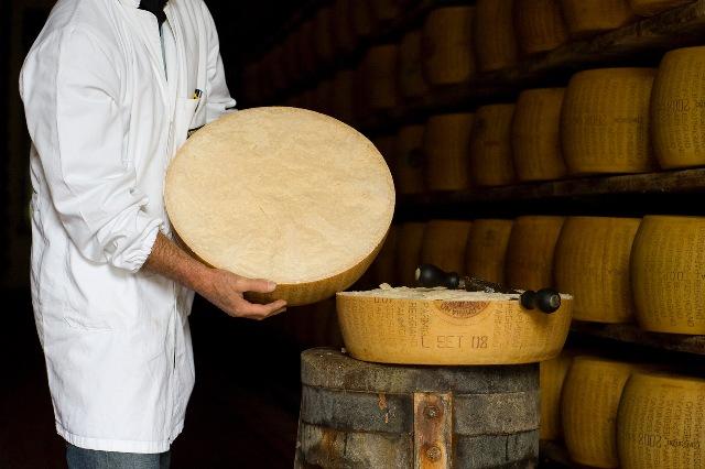 parmigiano-reggiano-cg-2010-_cgf0251